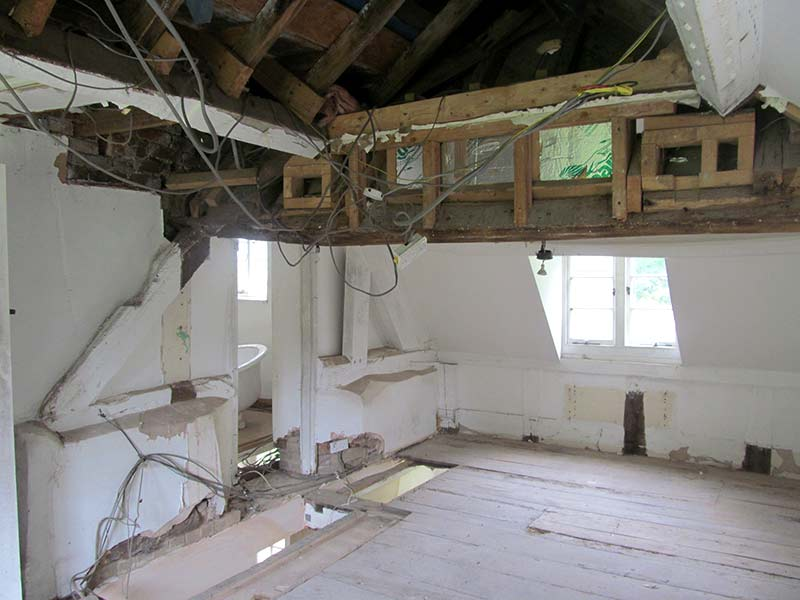 Water Mill Internal into Roof