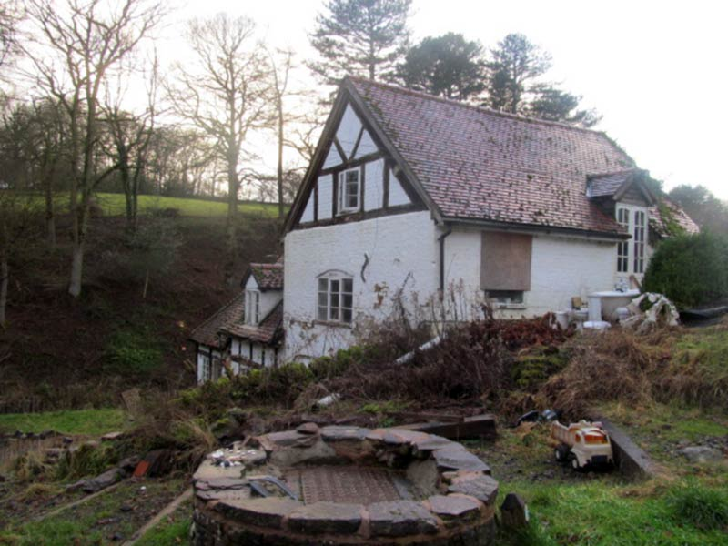 Water Mill External with Well