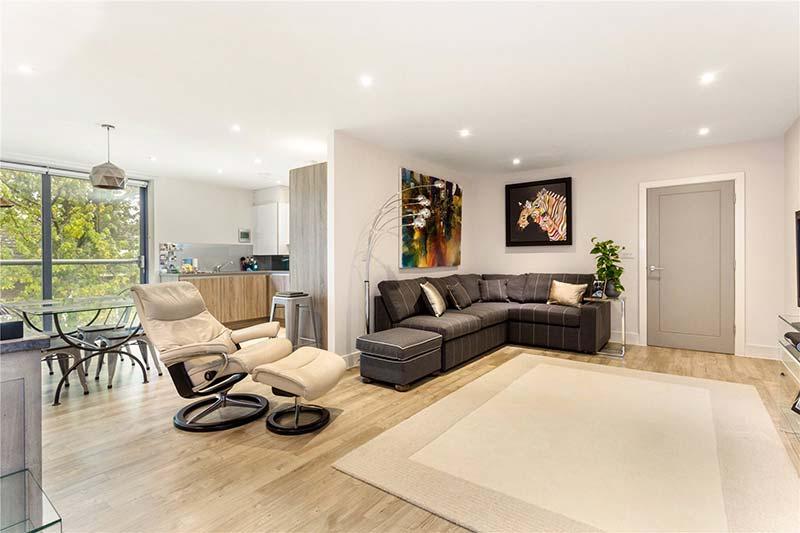 Penthouse Cheltenham Living