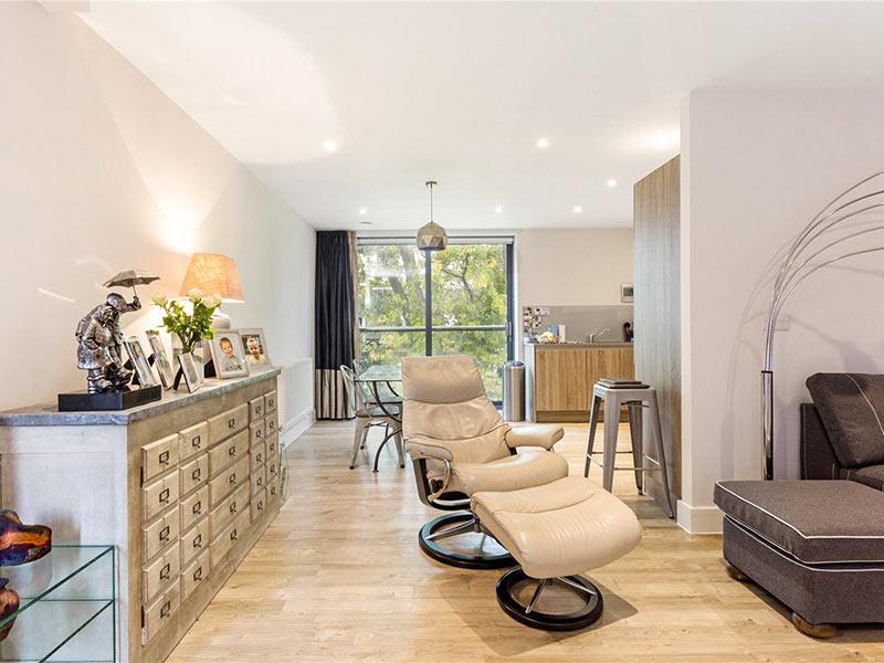 Penthouse Apartment Cheltenham Gloucestershire
